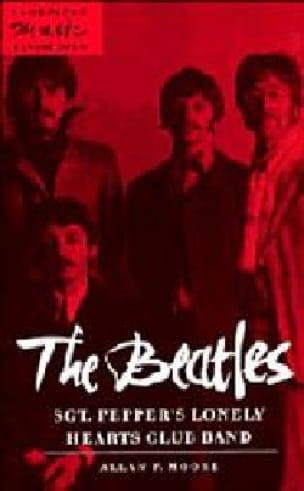 The Beatles Sgt Pepper's lonely hearts club band (livre en anglais) - laflutedepan.com